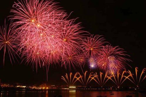 Fogo de artificio vermelho